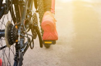 how to buy cycling shoes