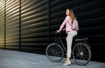 hybrid bikes under 300 dollars for women