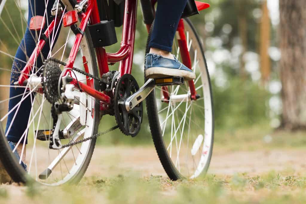 bike chain life and wear and tear