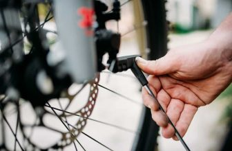 adjust bike brakes on your bicycle