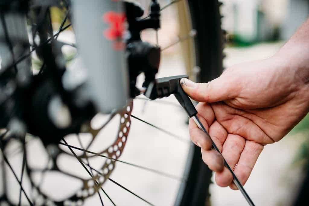 adjust bike brakes on your bicycle