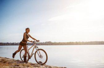 womens commuter bike on the beach