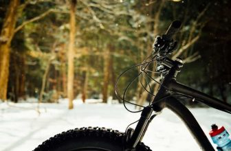 women's fat tire bikes in the snow