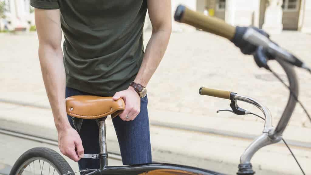 change bike seat correctly