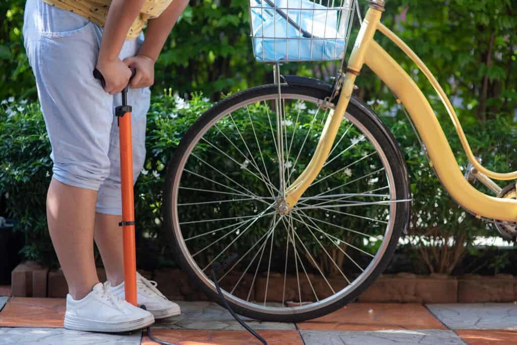 put air in bicycle tires