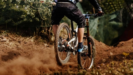 5 Best Mountain Bikes Under 1500 in 2020